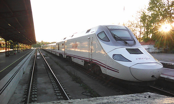 En enero 2018 aumentaron los usuarios de trenes AVE