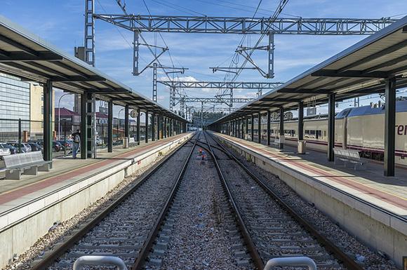 Los refuerzos en trenes AVE durante el puente de mayo 2018
