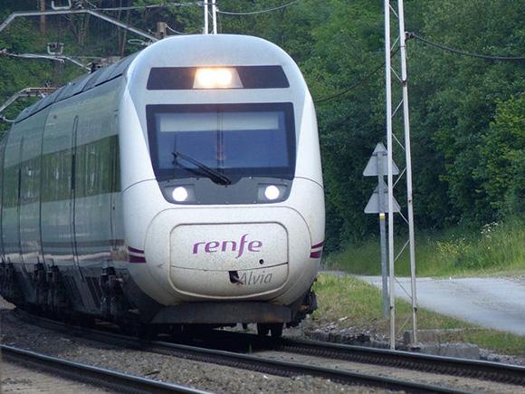 ¿Cómo valoran los usuarios los trenes AVE hasta 2016?