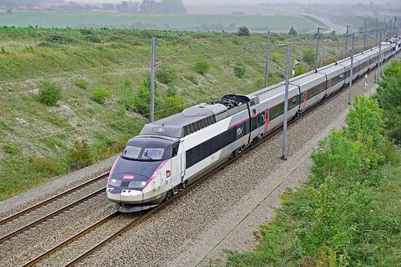 Los trenes AVE Barcelona París reforzados desde junio 2018