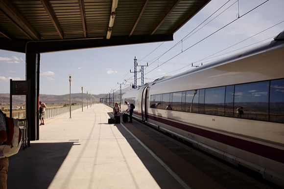 Fomento prevé que a partir de 2018 el uso de trenes AVE aumente