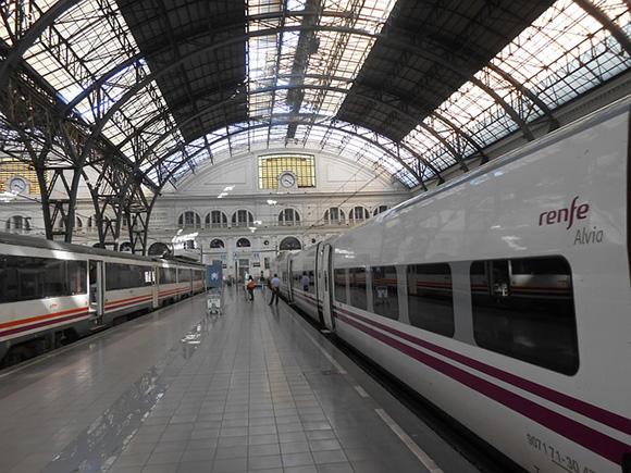 En España cada vez se usan más los trenes AVE en 2018
