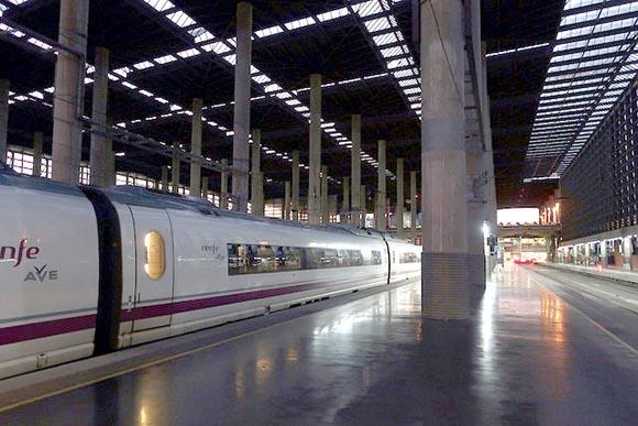 Billetes de trenes AVE extra para viajar este verano 2019